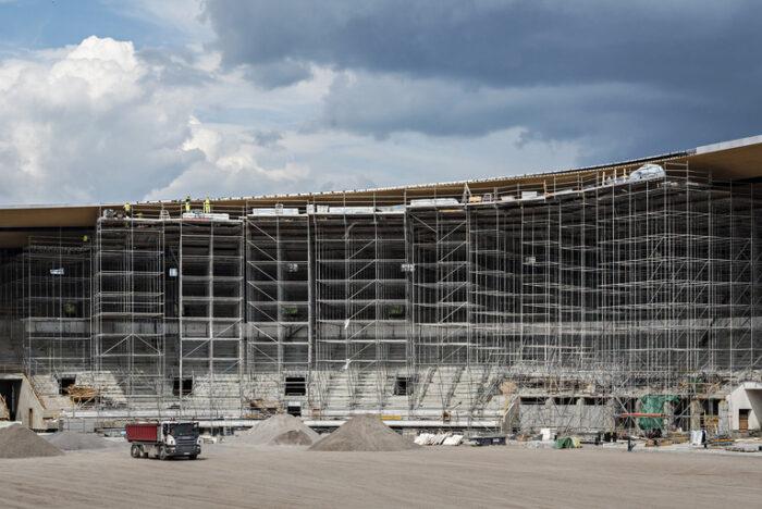KUVA ON KÄSITELTY EI AUTOREPROON!  stadika, stadion, remontti, remppa, raksa, rakennustyömaa,